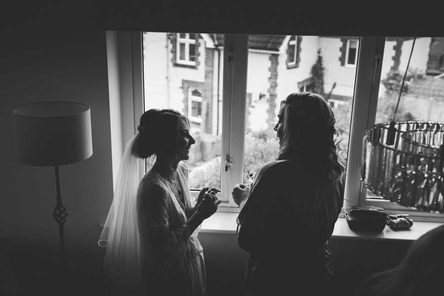 black-and-white-weddings