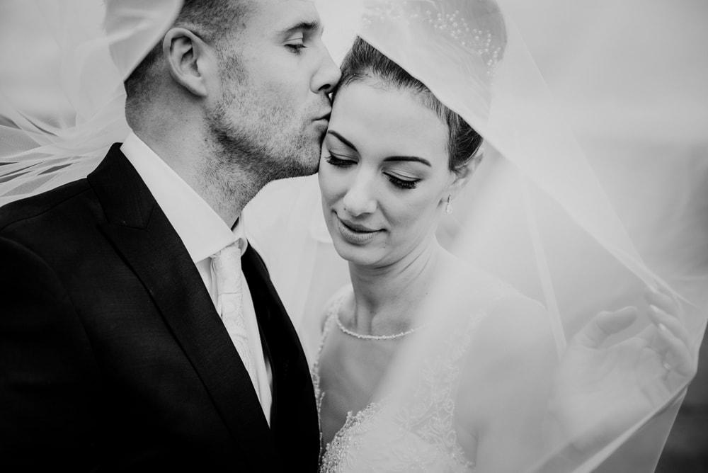 romantic-wedding-photographer